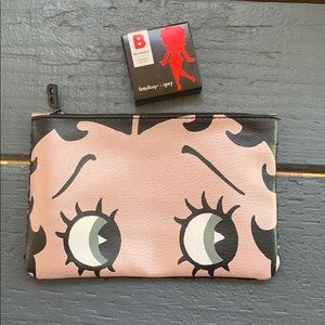 NEW💋Betty Boop Makeup Bag and Blush